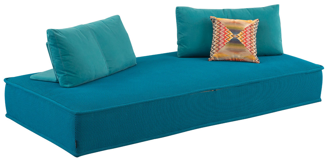 Escapade Sofa – Designed by Zeno Nugari