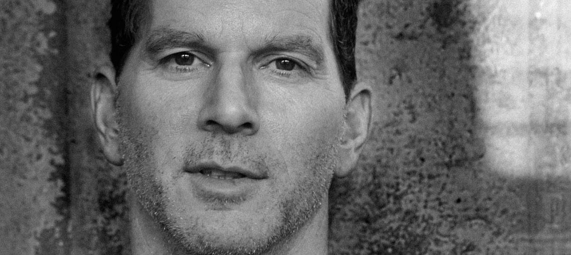Tim Zyto, créateur de divans minimalistes et du sofa Montauk