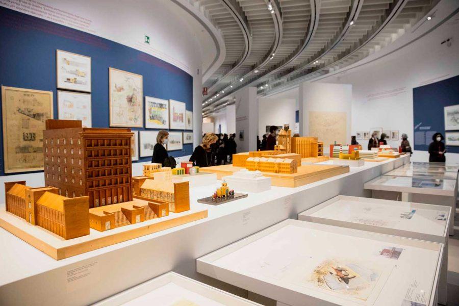 35 MAXXI_Museo-nazionale-delle-arti-del-XXI-secolo_Mostra-Aldo-Rossi_ph-Musacchio-ianniello-Pasqualini_courtesy-Fondazione-MAXXI_LR